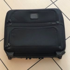 TUMI 2Wheeled Alpha Compact Briefcase Case 26124DH